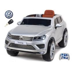 Volkswagen Touareg s 2.4G DO, EVA kolesami, otváracími dverami, LED, FM, USB, vínová metalíza
