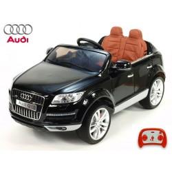 Audi Q7 s 2.4G DO, FM, prehrávač USB, čalunením, pérovaním, EVA kolesami, bohatým osvietením, 12V, čierna