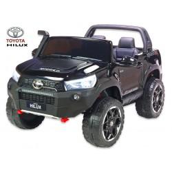 Toyota Hilux Rugged-X s 2.4G, 4x4 dvojmiestná